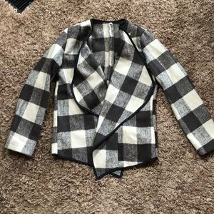 Jackets & Blazers - NWOT Plaid jacket.